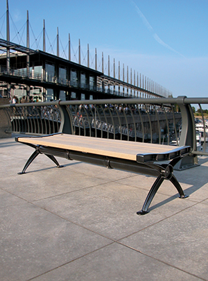 Bench without back - Cascades - Cast aluminum structure with 100% recycled plastic slats